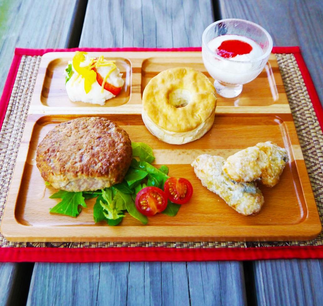 ガッツリ朝食派さんの木製モーニングプレート mokurieito製