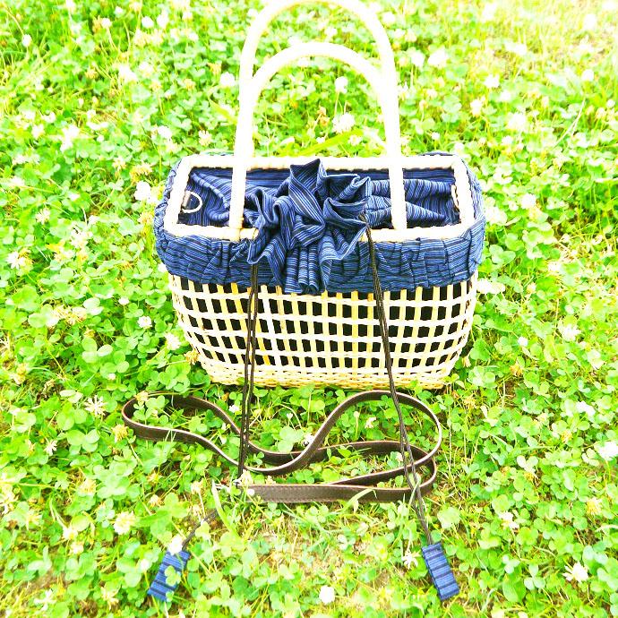 爽やかブルーの手編みかごバッグ インドネシア製